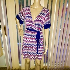 Dresses & Skirts - Women's Chevron Printed Wrap Dress- Size Medium